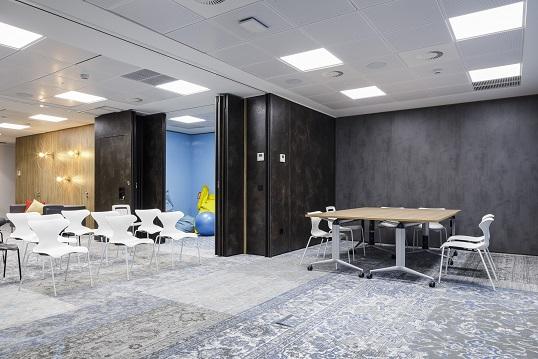 nuevas oficinas sostenibles INTU en el Paseo de la Castellana de Madrid. mOQUETA dESSO
