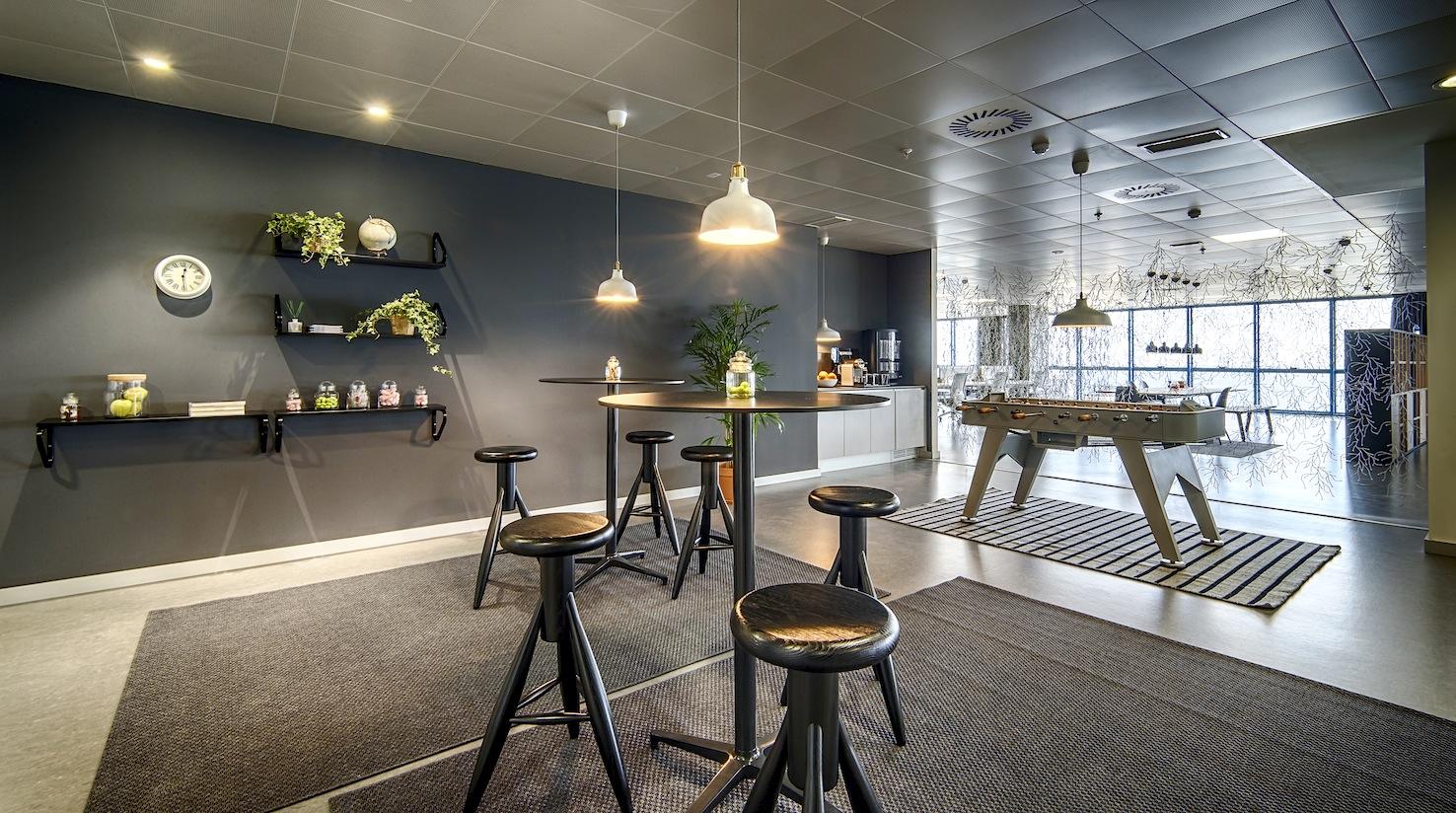 nuevo_edificio asv oficinas con futbolín oficinas grupo asv Alicante
