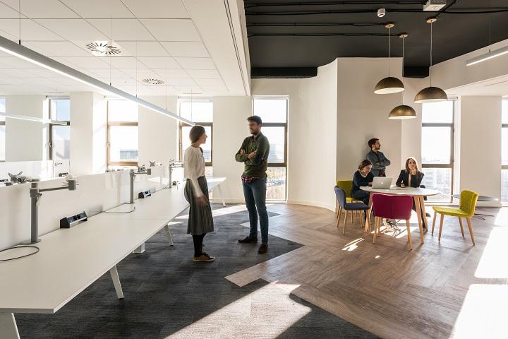 oficinas British telecom en Madrid. Proyecto workplace 3g office . Silla Tea Sancal