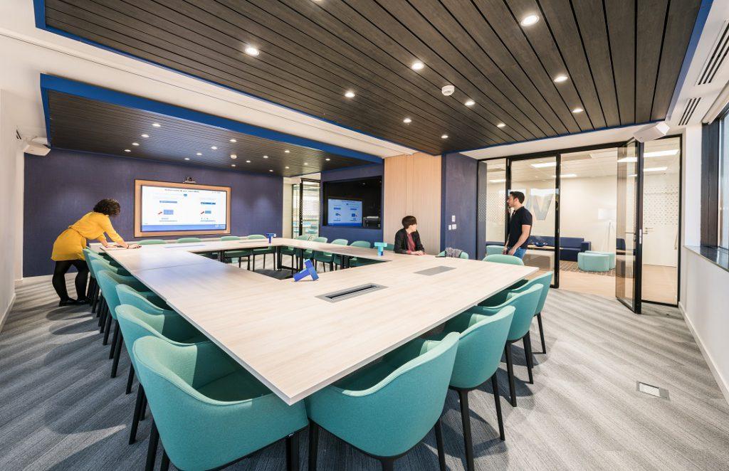oficinas banco wizink en madrid sala de reuniones