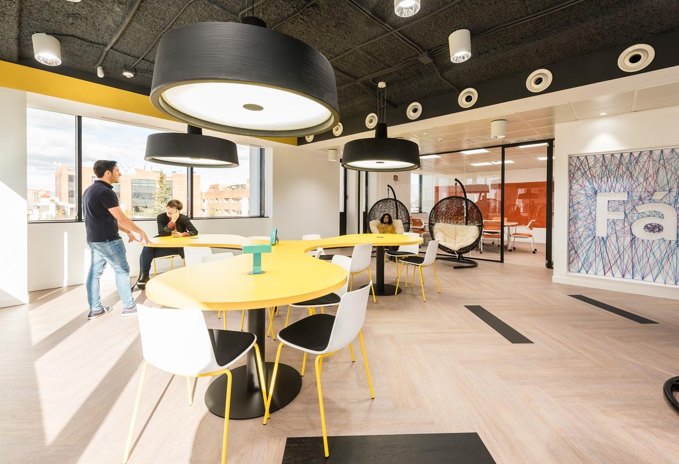 Wizink tu banco senzillo nueva sede en madrid proyecto for Imagenes de fachadas de oficinas modernas