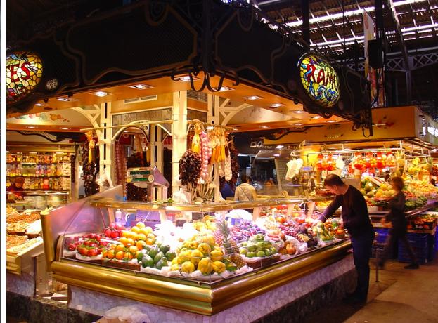Mercado de La Boquería. Barcelona .Mercados en centros urbanos. Regeneración urbana