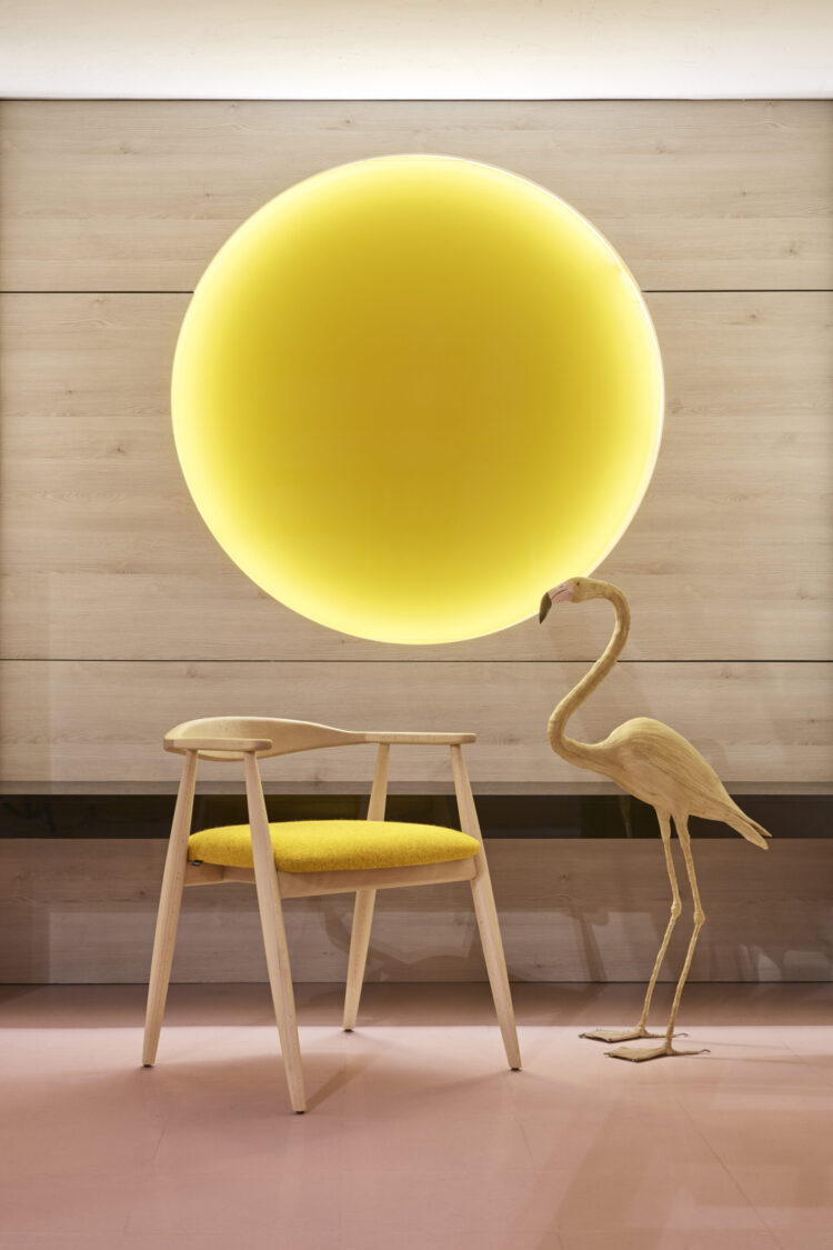 presentaction de mobiliario annud en welcome room de madrid Sapporo by annud stuio y Santiago Sevillano Studio