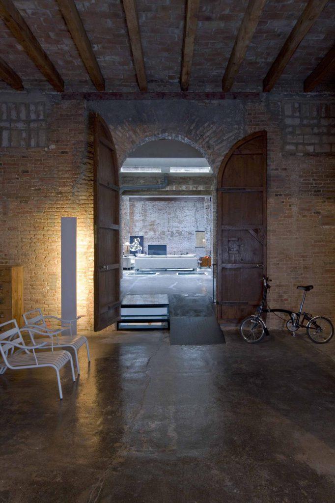 proyecto-interiorismo-vivienda-loft-industrial-reciclaje-diafano-barcelona- vivir en un loft
