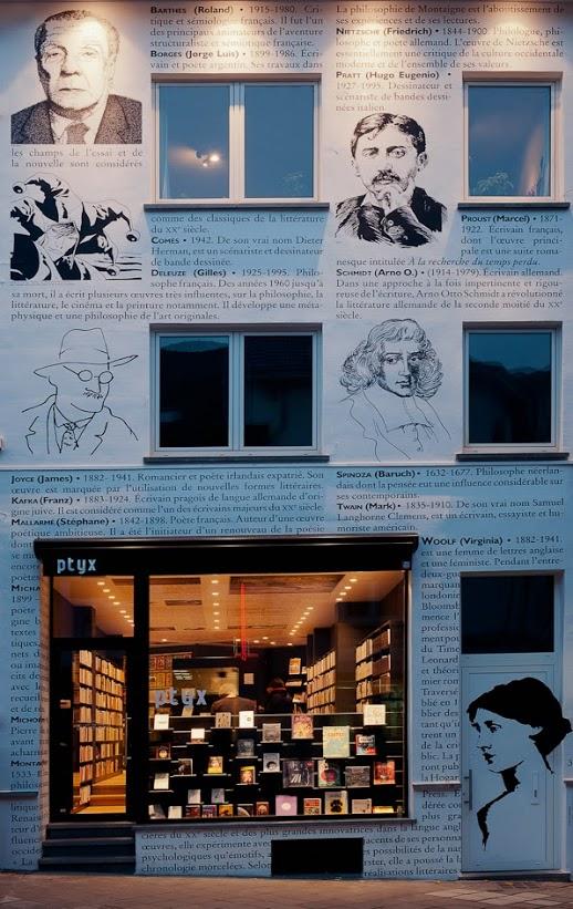 LIBRERIA ptyx EN bÉLGICA. FACHADA DE LETRAS Las mejores librerias con MientrasLeo