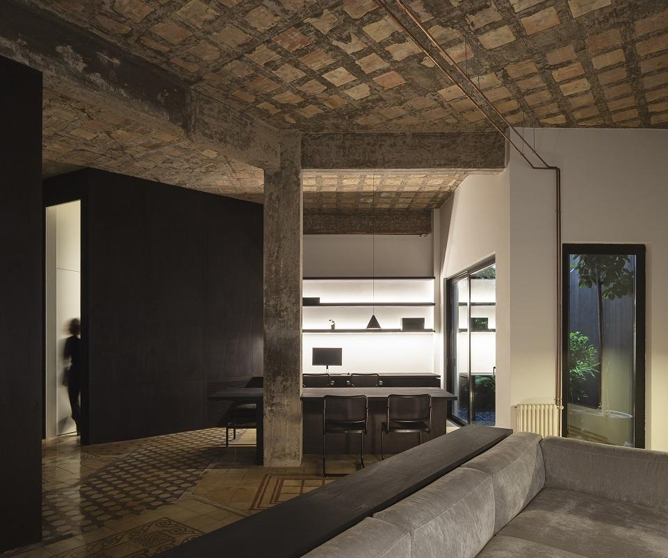 La Finca Roja. Reforma de vivienda por Francesc Rifé en Valencia