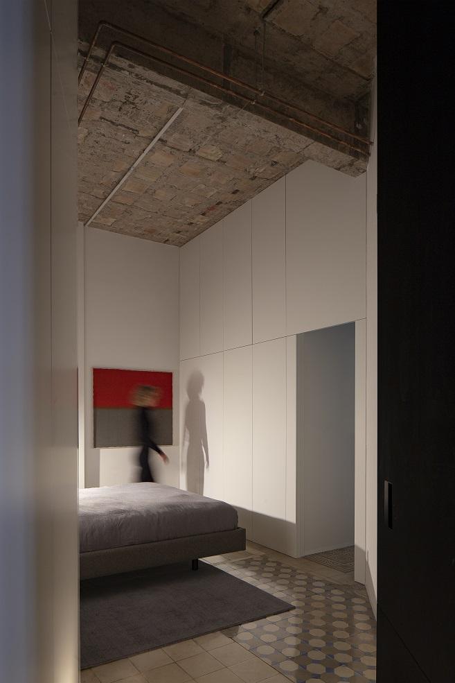 Rehabilitación en la Finca Roja de Valencia de Francesc Rifé. Dormitorio