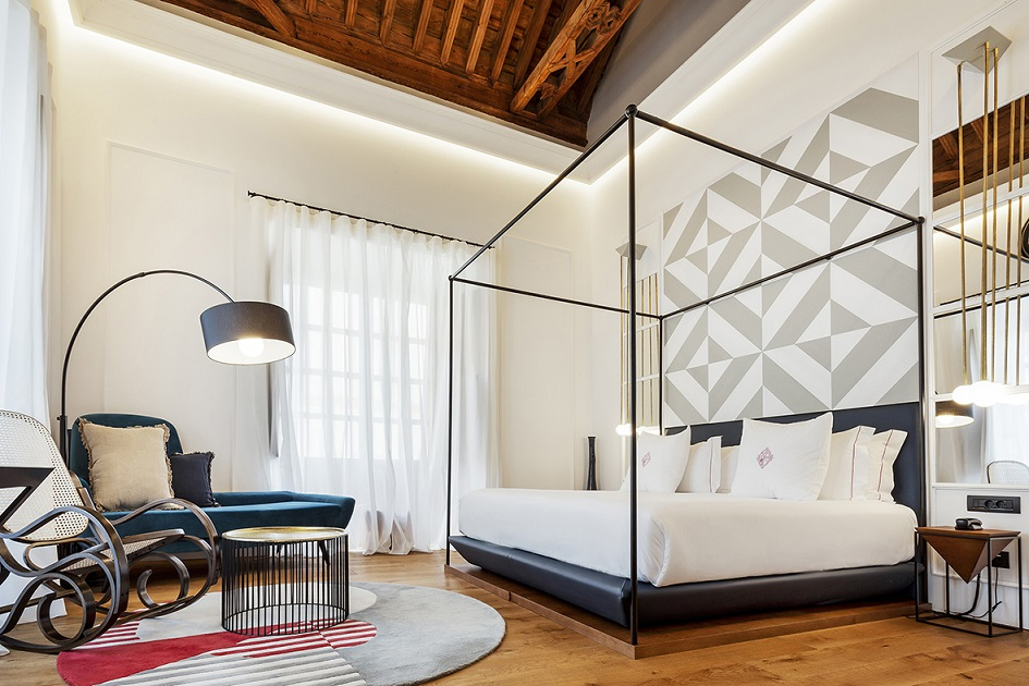restauracion Hotel One Shot Palacio Conde de Torrejon Sevilla by Alfaro Manrique Atelier