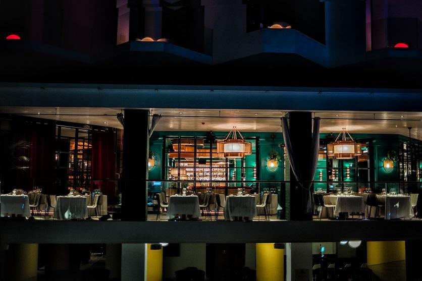 restaurante Tatel Ibiza . Interiorismo Ilmio. design. Andrea Spada Michele Corbani. vista terraza nocturana