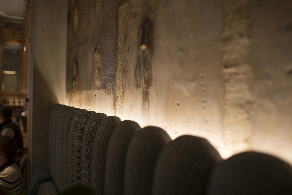 restaurante we bistrot Barcelona . Comedor. detalle iluminacion