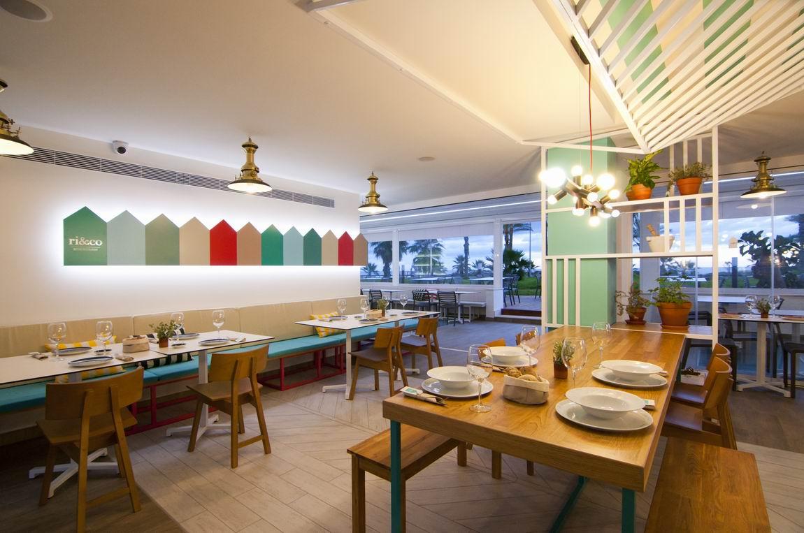 Ri&Co, Bistró Restaurant