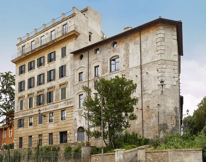 room mate roma. Rooms of Rome. proyecto de Jean Nouvel gestión de Kike Sarasola. Fachada rhinoceros fondazione alda Fendi sperimenti
