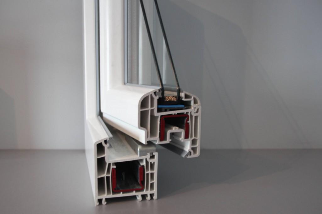 ventana de pvc. como ahorrar en la factura de la luz