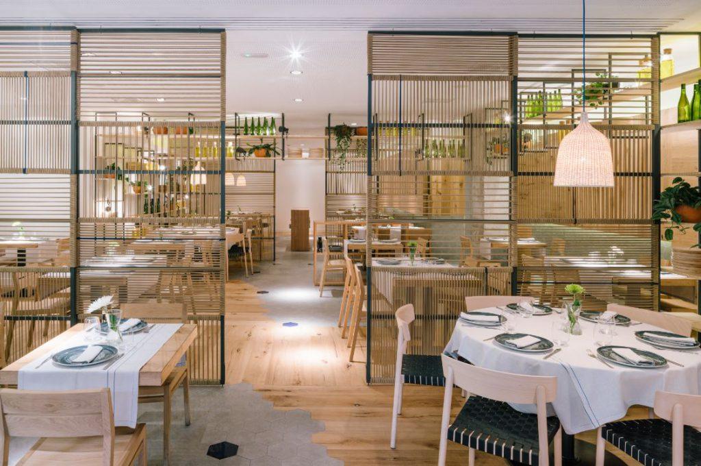 Enxebre por zooco estudio zooco restaurante atrapallada madrid. enxebre puertas correderas bambu